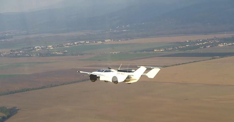 AirCar Airborne