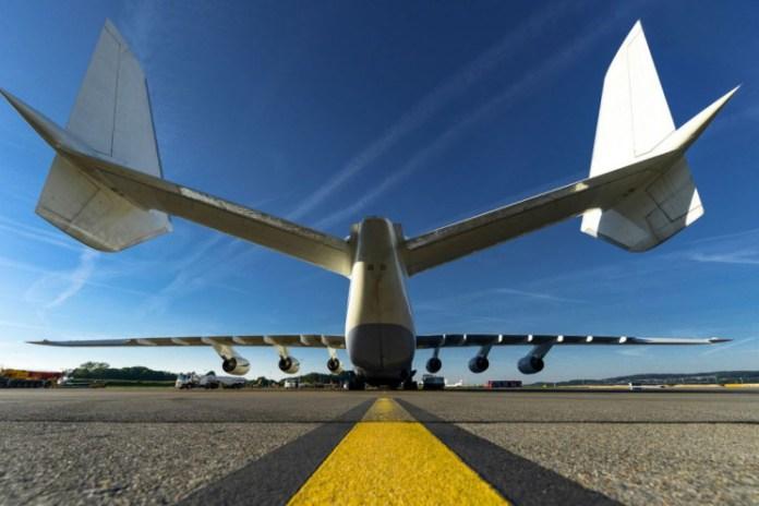 Antonov An-225 tail