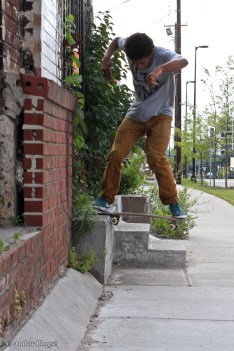 Skating on University Avenue © Andor (1)