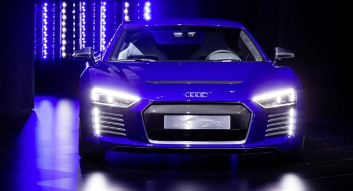 Audi-R8-e-tron-piloted-driving-concept-0