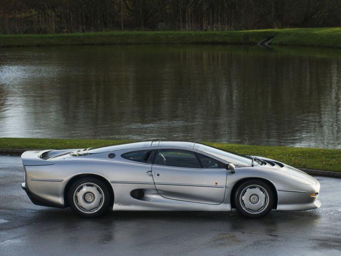 Jaguar XJ220 for sale4