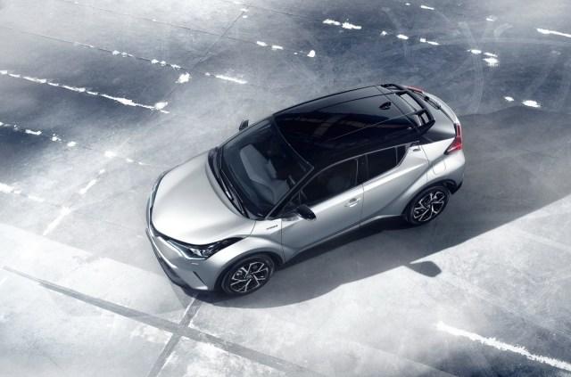 2017-Toyota-C-HR-20carscoops