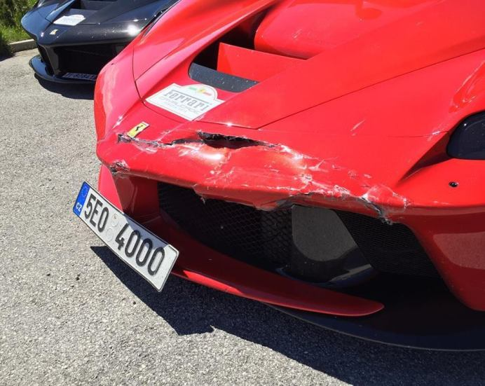 Ferrari-LaFerrari-Crash-3