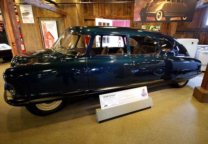1024px-stout_scarab_gilmore_car_museum_2011-11-11_02-28-05