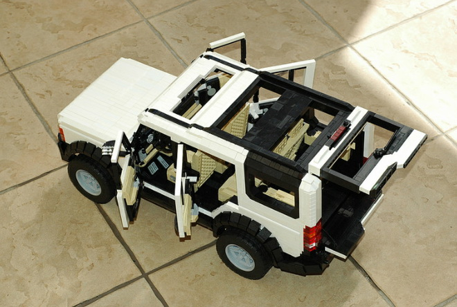 lego-land-rover-discovery-2