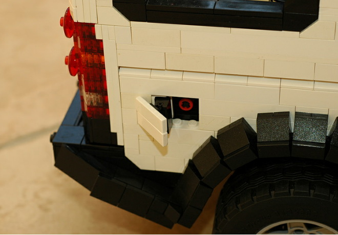 lego-land-rover-discovery-5