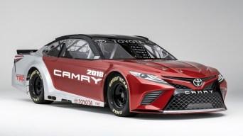 2018-toyota-camry-nascar-race-car (1)