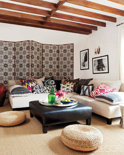 Get the look! Cozy celebrity family room