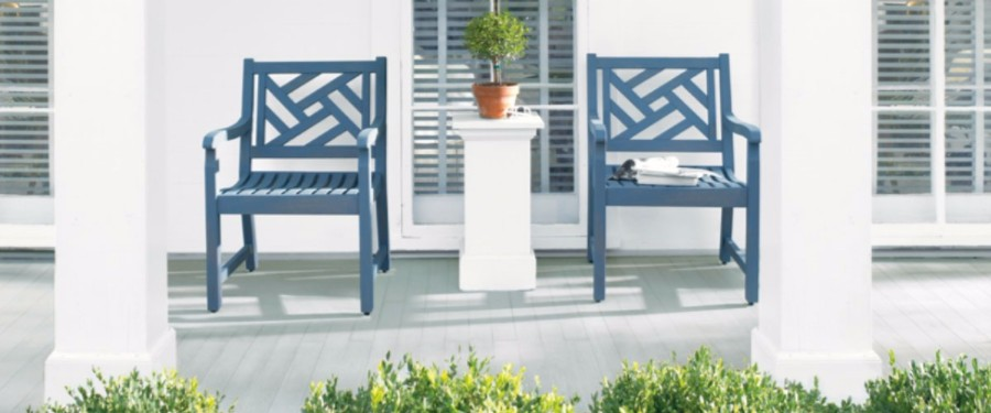 7 classic outdoor furniture paint colors for Outdoor furniture color trends 2017