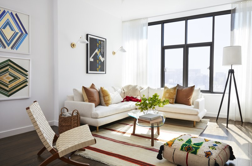 home decor trends, white living room, living room lighting