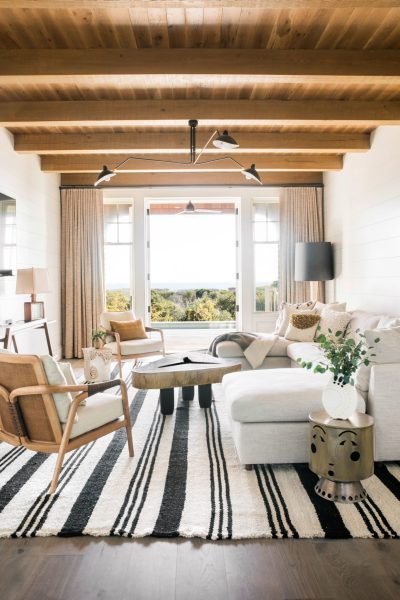 traditionalhome.com, house tour, white & wood rooms, family room, white draperies