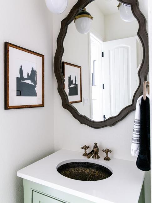 HGTV Smart Home 2019, Powder Room