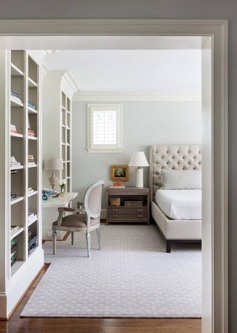 Cozy Guestrooms, Open Storage