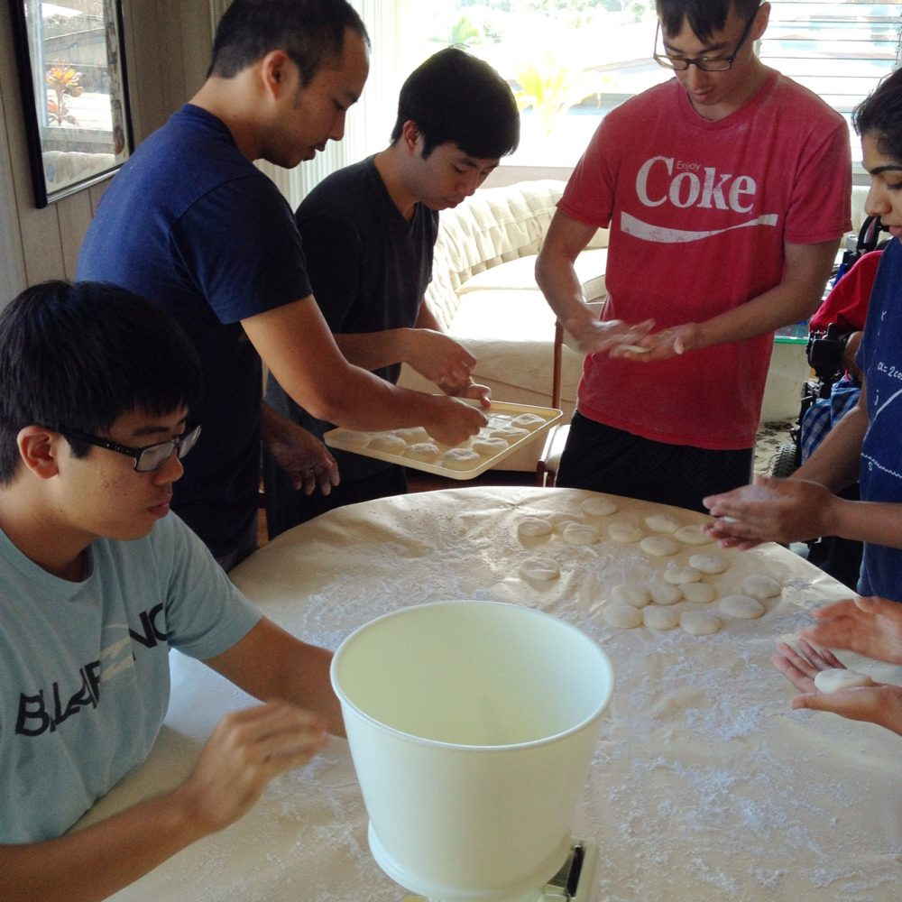 Making mochi with cousins