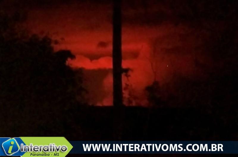 """Nova imagem mostra detalhes do fenômeno de """"Nuvem de Fogo"""" em Paranaíba"""