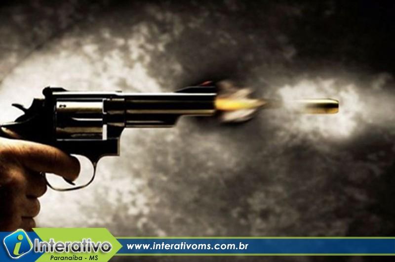 Ex-marido ameaça atirar em mulher em Paranaíba