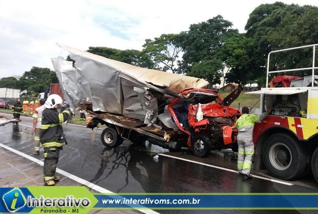 Paranaibense falece em acidente com caminhão de fogos