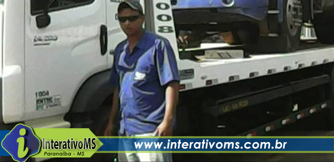 Motorista morre ao ser prensado por caminhão em Paranaíba
