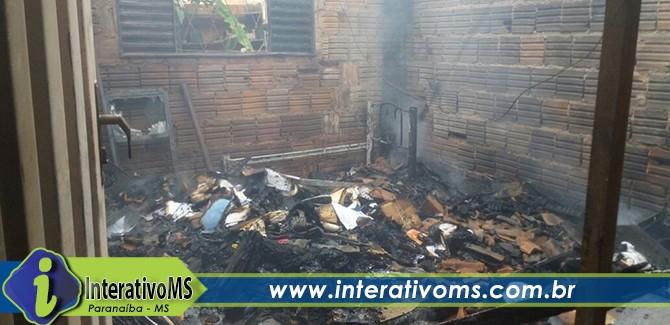 Pedreiro evita que ex-mulher morra em casa em chamas em Paranaíba