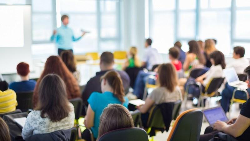Rede estadual de ensino de MS voltará a ter todos os alunos em sala de aula