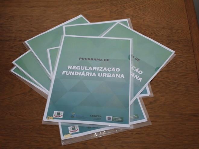 Prefeitura de Paranaíba regulariza e entrega 25 novas escrituras no município