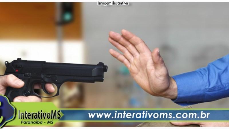 Empresário é rendido por homens armados no São José em Paranaíba