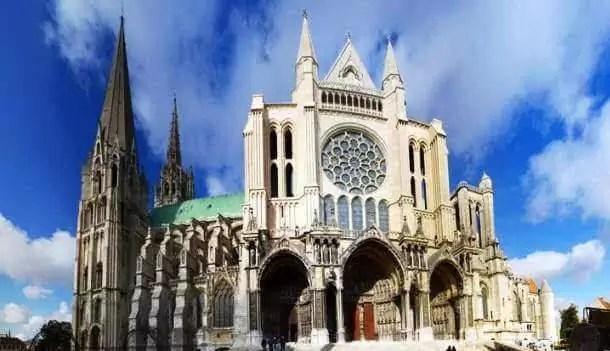 Chartes Katedrali