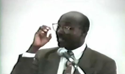 Dr Naim Akbar