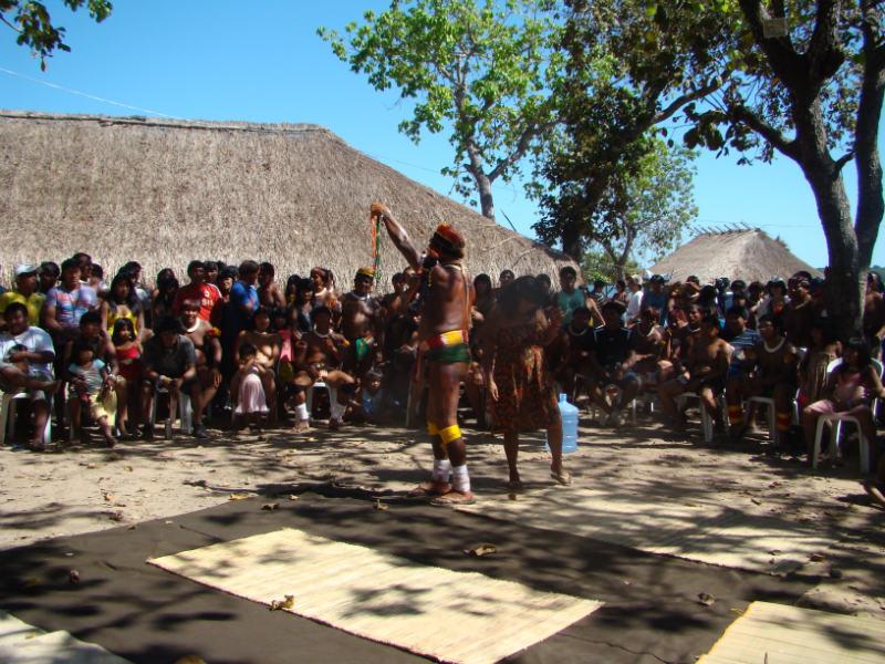 Piracuma-Yawalapitti-coordena-o-grande-moitara-dos-50-anos-durate-o-I-festival-de-Culturas-Xinguanas.-Foto-Fernanda-Bellei1-w800