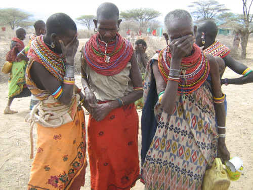 Women-in-Lerata-crying
