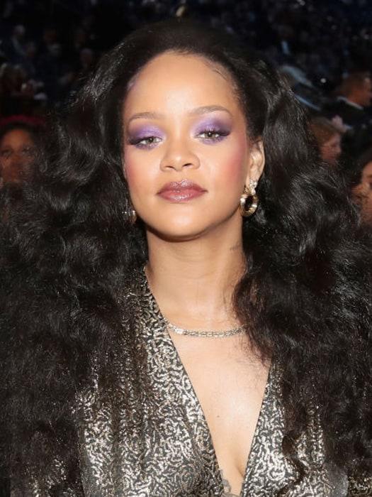 8 знаменитостей с неудачным перманентным макияжем