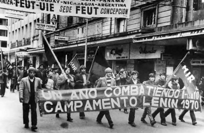 Marcha de pobladores del MIR en Concepción.