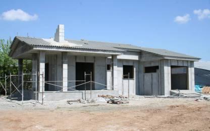 Ολοκλήρωση στέγης και σταδίου εκτόξευσης  τσιμεντοκονιάματος στην τοιχοποιία.