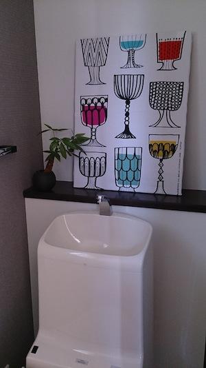 トイレにファブリックパネル1