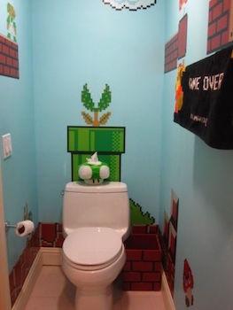ゲームのBGMが聞こえそうなトイレのインテリア