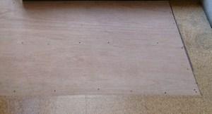 床 補修工事 コルクタイル