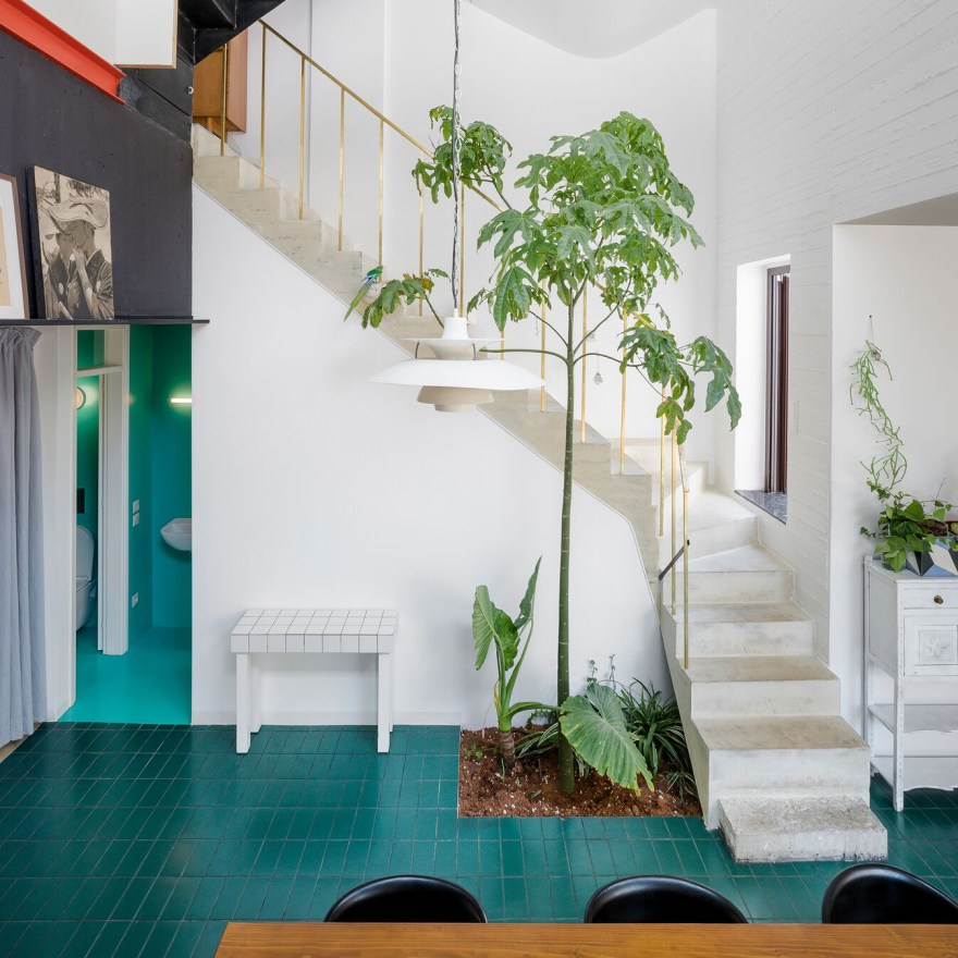 A Postmodern Mediterranean Interior Design – Petralona House in Athens by Greek Architects Point Supreme