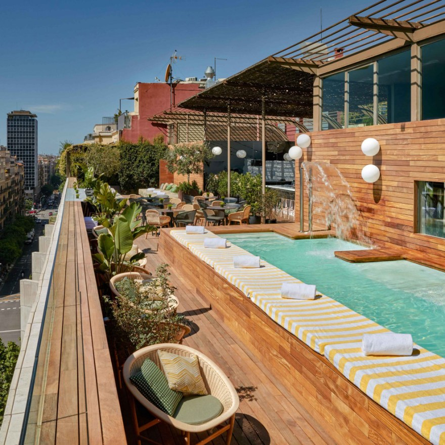 A Stunning Rooftop Pool in the Middle of Barcelona – The Sir Victor Hotel Design by  Baranowitz Kronenberg