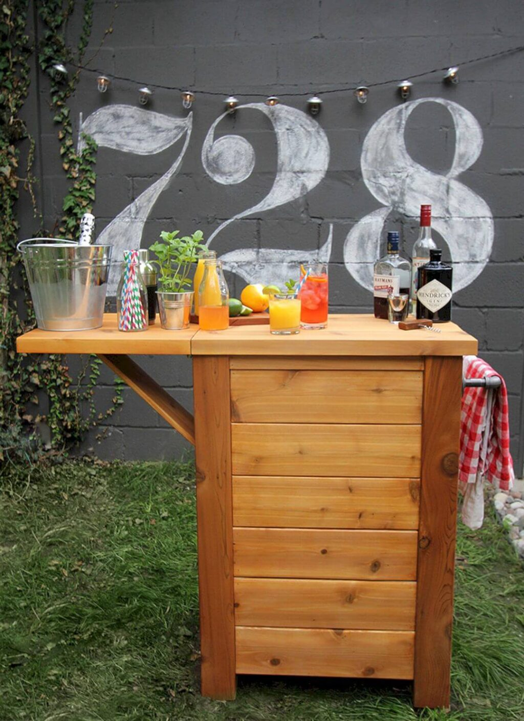17+ Best Outdoor Bar Ideas That'll Be Perfect for Your ... on Best Backyard Bars id=26162