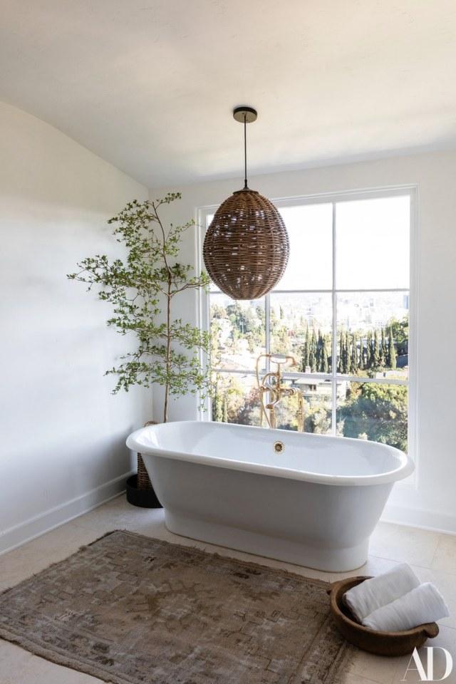 celebrity homes Celebrity Homes: Top 6 Celebrity Bathrooms of 2018 Celebrity Homes Top 6 Celebrity Bathrooms of 2018 5