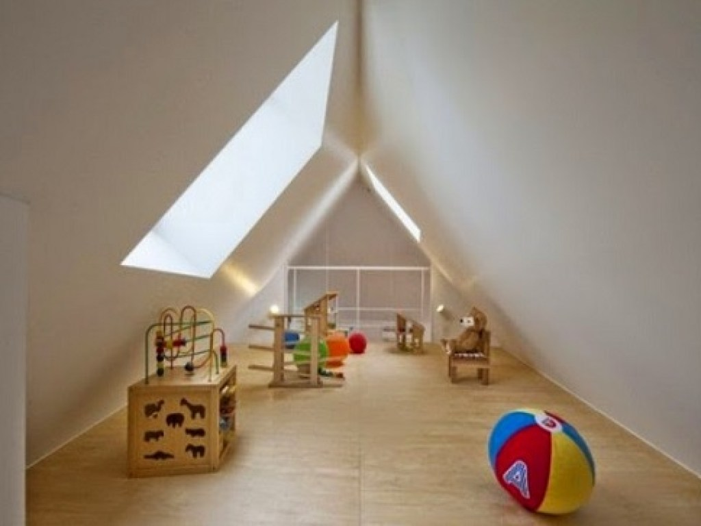 ruang bermain anak di loteng rumah