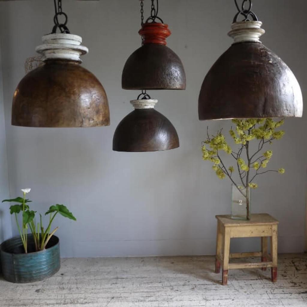 elemen dekorasi rumah dari material kayu asli