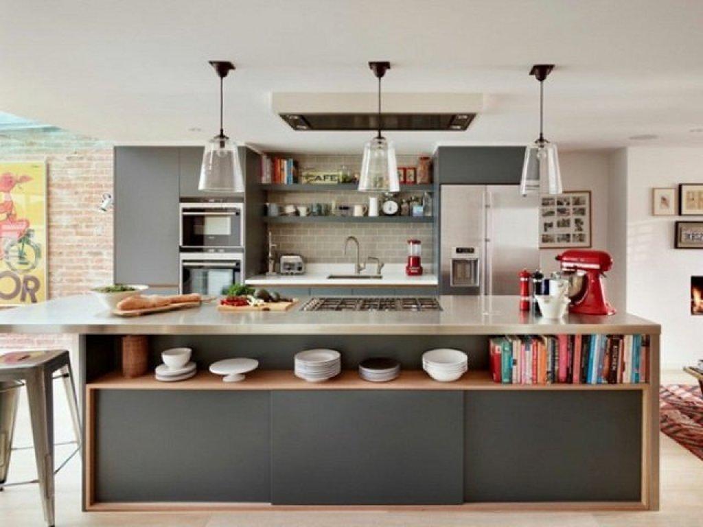 fitur kitchen island dengan rak penyimpanan