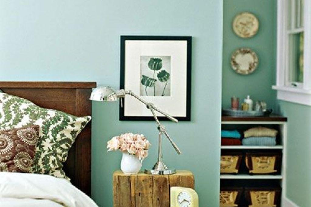 celadon atau hijau pudar untuk interior kamar tidur