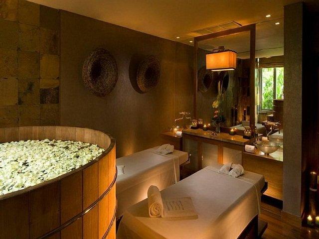 desain interior spa; pencahayaan ruang yang lembut