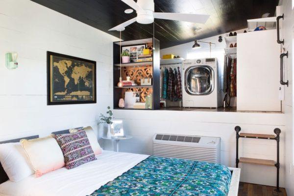 desain rumah kecil yang fungsional; desain kamar tidur dan wardrobe sekaligus laundry room