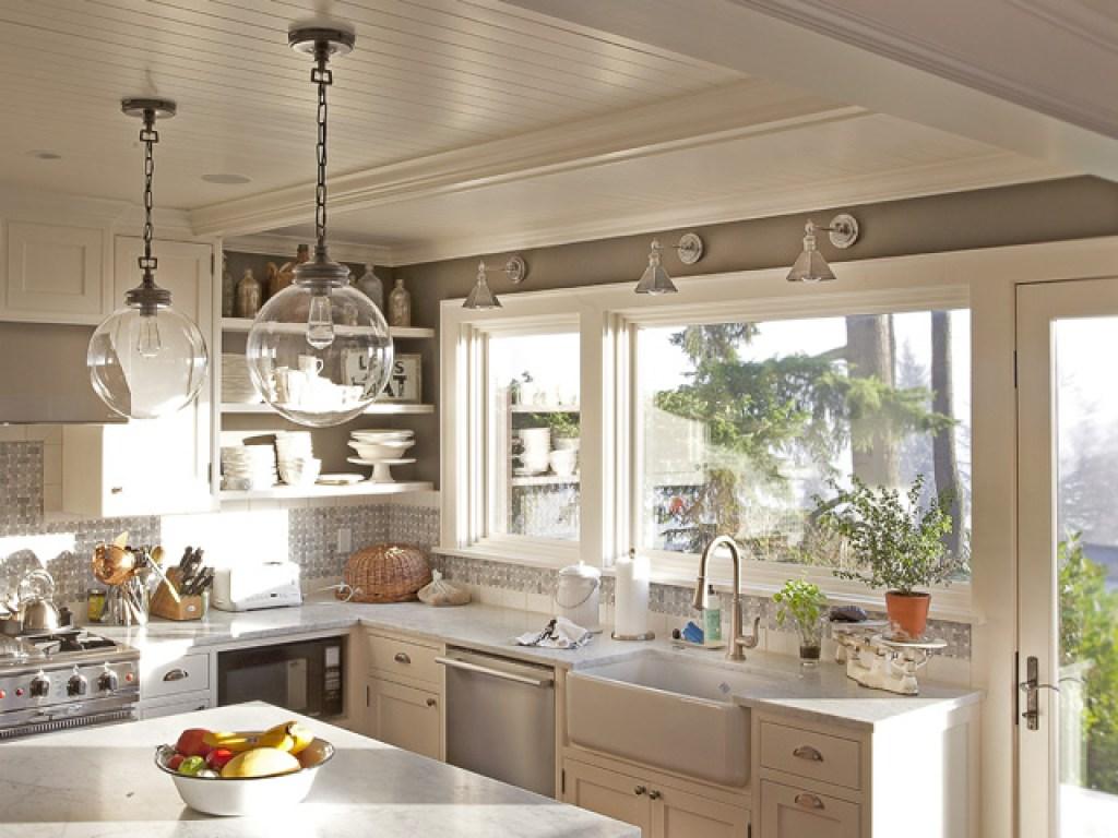 Kesalahan desain dan dekorasi dapur; instalasi lampu dan pencahayaan
