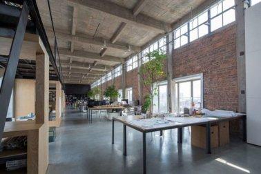 desain plafon gaya industrial