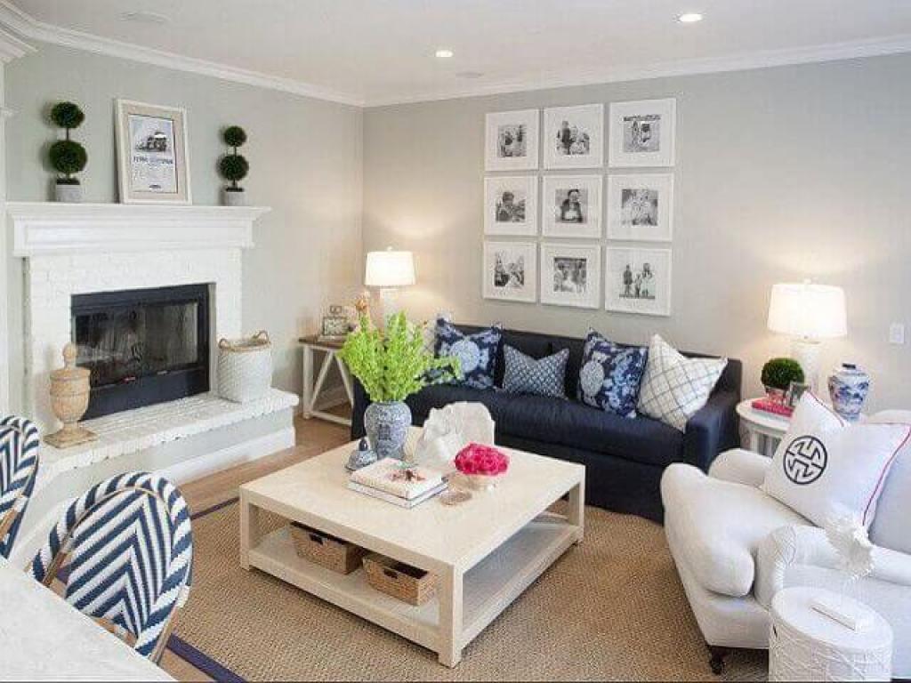 penataan furnitur ruang keluarga