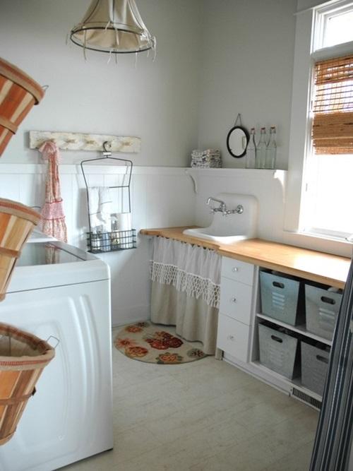 Chic Laundry Room Decorating Ideas - Interior design on Laundry Room Decor  id=94663